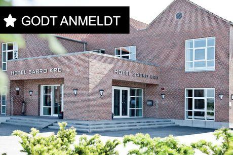 Tag på kroferie nær Aarhus og besøg de mange attraktioner i området.. 3 dage inkl. - 2 overnatninger - 2 x morgenbuffet - 2 x 2-retters menu/buffet - Gratis kaffe/te på værelset - Gratis internet og parkering