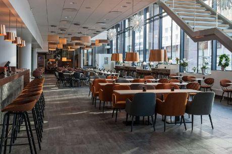 Top moderne hotel med sky bar og og fantastisk udsigt over Malmø.. 3 dage inkl. - 2 x overnatninger m. morgenmad - 1 x lettere aftensmad - 1 x aftenens ret - 1 x kaffe - Adgang til sauna