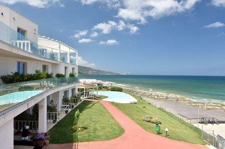 Urlaub an Sardiniens Smaragdküste - Kostenfrei stornierbar, Casteldoria Mare Hotel, Valledoria, Sardinien, Italien - save 22%