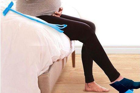 Strømpepåtager – få hjælp til at tage strømperne på. Den hurtige og nemme måde at tage dine sokker på og tage dem af, den er nem at anvende Placer din sok på holderen, sænk holderen til gulvet, og skub foden ind. Kan bruges til alle slags sokker.  Perfekt