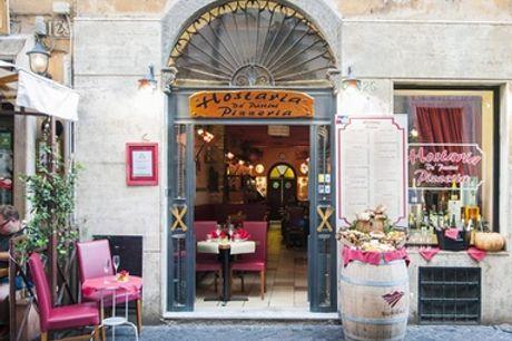 Menu romano da 2 o 3 portate con vino per 2 o 4 persone all'Hostaria De Pastini (sconto fino a 35%)