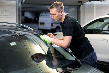Miljøvenlig ind- og udvendig bilrengøring. Vælg ml. 2 pakker - inkl. nanobehandling af forrude