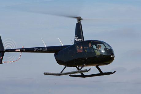 Helikoptertur. Prøv en helikoptertur med HeliCompany. Vær op til tre i helikopteren og flyv fra København, Aarhus og flere andre større byer. Fra 499 kr. pr. person.
