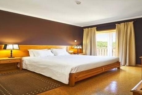 Hotel Castrum Villae: Estadia em Castro Laboreiro, com Pequeno-Almoço. Vista para o Gerês!