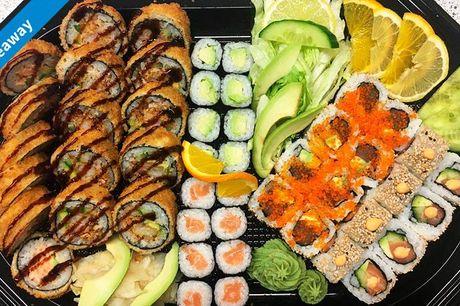 35 eller 48 stk. frisklavet sushi ud-af-huset som du med stort velbehag kan sætte spisepindene i sammen med en, du holder af. Vælg mellem to menuer.