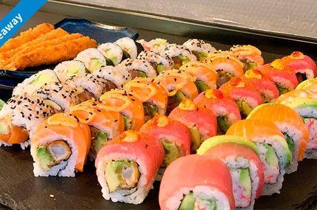 Smag 48 eller 64 stk.  Menuen afhentes i restauranten på Frederiksberg og kan nydes hjemme i hyggelige omgivelser og godt selskab. Det perfekte sushimåltid til sushi-elskeren, og dig der trænger til lidt ekstra selvforkælelse og god mad.