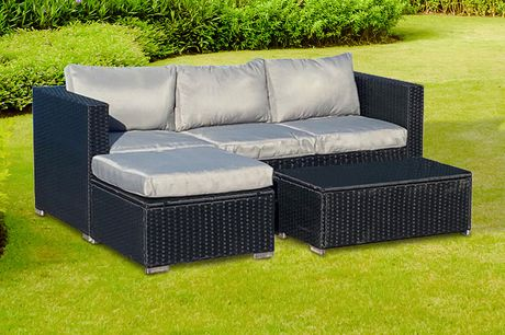 £399 instead of £696 for The Dunham four-seater outdoor polyrattan corner set from Outdoor Living - save 43%