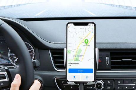 Smart mobilholder med en sensor, som gør at mobilholderen automatisk lukker sammen om din telefon -  Mobilholderen er udstyret med en censor, som gør at mobilholderen automatisk lukker sammen om din telefon når du sætter den i. På den måde holder den tele