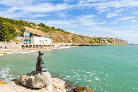A Kent coastal hotel stay at the Stade Court Hotel for two people with breakfast, and one two-course dinner each with tea and coffee. From £79 for one night, or from £129 for two nights - save up to 57%