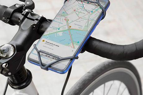 Universal smartphone holder til cyklen. En universel smartphone holder til cykler, som er den perfekte løsning til at kunne se din mobil, mens du cykler Takket være det originale design og anvendelse af silikonemateriale, er det en fleksibel holder, som n