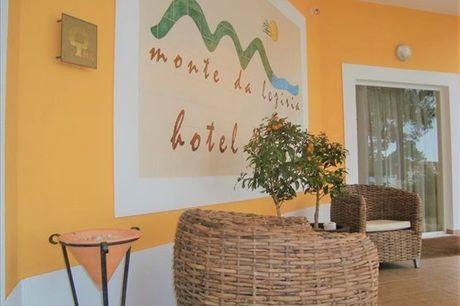 Marque encontro com a natureza do Alentejo numa estadia no Hotel Rural Monte da Lezíria. 1 ou 2 noites de alojamento com pequeno-almoço a partir de 71,9€