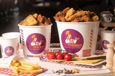 1 of 2 Friends Bucket met gefrituurde kip, frietjes, saus en drankjes om af te halen bij Belchicken op diverse locaties