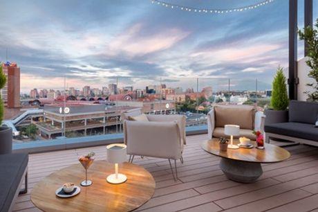 Cócteles y aperitivos o conservas prémium para 2 o 4 personas en Sky Lounge Barceló Imagine