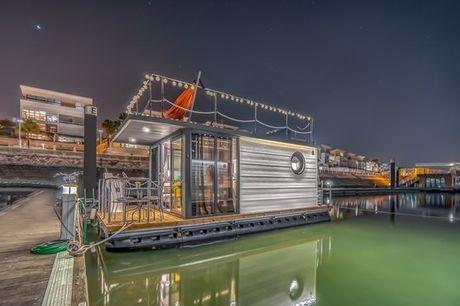 Equipadas e luxuosas, estas casas barco têm tudo o que precisa para que tenha uma estadia inesquecível na companhia de quem mais gosta. No Parque das Nações e para 2 pessoas, 1 noite + pequeno-almoço a partir de 119,90€