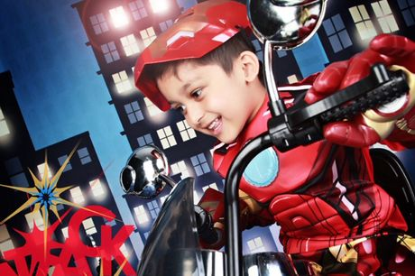 """£9 instead of £35 for a superhero-themed children's photoshoot for up to four including two 10"""" x 8"""" prints at Wink Photography - choose from two locations and save 74%"""