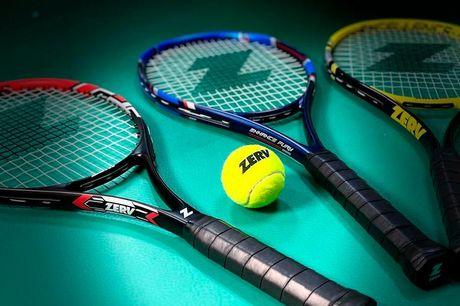 2 tennisketchere med bolde Enhance Fury tennisketcherne fra ZERV er fremstillet i slidstærk grafit, der sørger for god kraft i slaget samtidig med, at de er lette og behagelige at spille med. Du kan vælge mellem to forskellige greb, så du får lige den ket