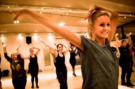 10 x Hit Fit-dans Få 10 danseundervisningsgange med det populære dansekoncept, Hit Fit, der er en perfekt kombination af dans, bevægelse og forbrænding. Du for-brænder effektivt kalorier, mens du har det så sjovt, at du slet ikke lægger mærke til, at det