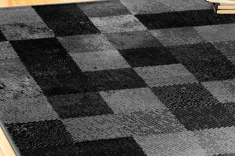 £9.99 for a 60 x 110cm chequered rug, £17.99 for an 80 x 150cm size or £29.99 for a 120 x 160cm size from Chums!