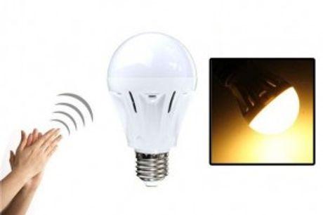 LED-pære med klap-sensor.  SmartLED-pære med klap-sensor - du klapper blot, når du vil tænde/slukke lyset.