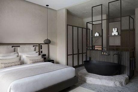 Aeonic Suites & Spa Mykonos - Volledig terugbetaalbaar, Mykonos, Griekenland - save 28%.  We werken samen met de hotels om ervoor te zorgen dat ze voldoen aan de regelgeving op het gebied van de volksgezondheid met betrekking tot COVID-19