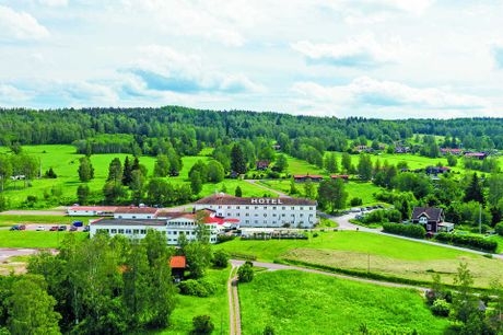 Naturskøn ferie i Dalarna med et billigt ophold i Rättvik. 3 dage inkl. - 2 overnatninger - 2 x morgenmad - 2 x 2-retters menu - Gratis internet og parkering - Fri adgang til motion og afslapningsområde