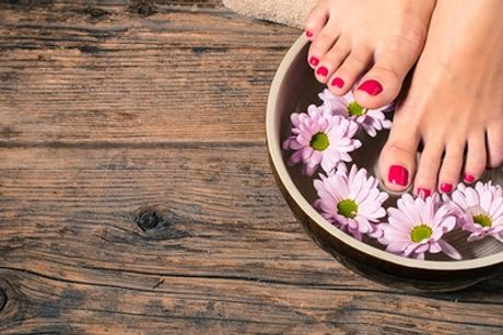 Beauté des mains/pieds et pose de vernis semi-permanent ou soin des pieds anti-callosité 30 min pour 1 àFleurs d'orient
