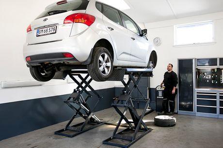 Serviceeftersyn af din bil. OneMobility får topanmeldelser - din bil er i trygge hænder