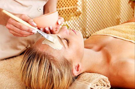 Por mais cuidados diários que mantenha com a sua pele, uma Limpeza Completa é sempre muito importante. Esta Limpeza de Pele com extração irá ajudá-la a manter a sua pele saudável e livre de impurezas. Aproveite agora e faça já a sua por apenas 49,9€