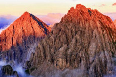 Sommerurlaub in der Olympiaregion Seefeld. Von Mai bis Juli 2021 buchbar! Erleben Sie Tirol und buchen Sie eine Auszeit im3-SterneHotel Torri di Seefeld. Der traditionelle Urlaubsort auf 1.200 Metern Höhe lockt mit einem umfangreichen Sport-, Freizeit-