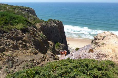 Parta à descoberta da costa selvagem de Sintra com a Portugal Wild Trail. Para 1 ou 2 pessoas a partir de 14,9€