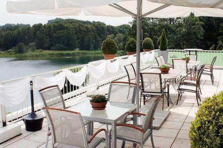 Bo i det smukke naturområde Holsteinische Schweiz ved Segeberger See. 6 dage inkl. - 5 overnatninger - 5 x morgenbuffet - 5 x 3-retters menu/buffet - 10% rabat på spa-behandlinger - Fri entré til spaafdeling