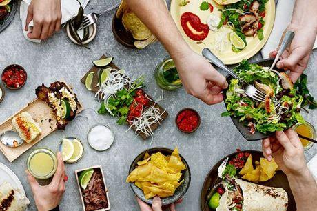 Kun i dag! VACA Hellerup: Gedigen, mexicansk mad-fiesta - fingermad med et twist til 4 hjerter.