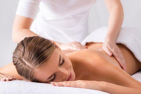 Klassisk eller hotstone massage i 30-60 min..  Charlottenlund: Clinique Colette Vælg mellem: - Klassisk eller hotstone massage 30 minutter (175 kr.) - Klassisk eller hotstone massage 60 minutter (275 kr.)