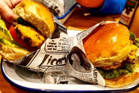 Bis zu 4 hausgemachte Burger mit Fries & Sauce zum Mitnehmen von Martha's Delicious Burgers (bis zu 32% sparen*)