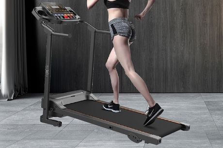 £279 for a motorised treadmill with three-level manual inclination from Evolve!