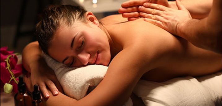 Vælg mellem 5 super lækre massageformer. - Find lige den massagetyper der passer til dig og din krop, 30, 45 eller 60 minutter. Værdi op til kr. 850,-
