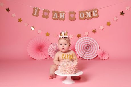 """£9 instead of £40 for a cake smash photoshoot at Xposure Studios, Liverpool including a 12"""" x 8"""" print and £50 voucher - save 78%"""