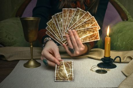 £4 for a 7-card tarot 'should I, shouldn't I' reading via email from Daffodil Tarot