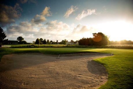 Sæt kryds i kalenderen og glæd dig til en fantastisk golfdag på REE GOLF's naturskønne bane i Nordsjælland. Golfdagen toppes med en frokost eller middag på Café Pibe Mølle, der byder på masser af favoritter.