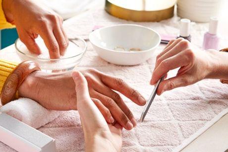 Beauté des mains ou des pieds et pose de vernis semi permanent pour 1 personne avec Eos Beauty Center