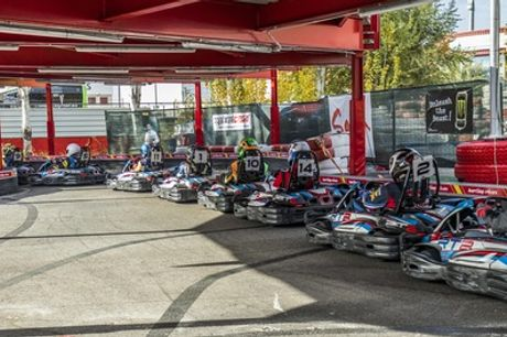 1 o 2 tandas de karting de 10 minutos, para adultos únicamente, en el Karting Rivas