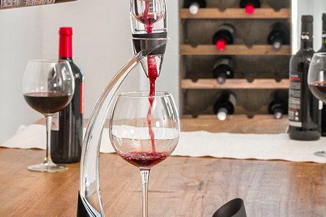 Smart Vin dekanter. Den perfekte gave til vineksperter og dem med en forkærlighed for vin. Denne karaffel af højeste kvalitet har et tårnagtigt design og er fremstillet til de mest krævende og raffinerede ganer Den maksimerer vinens smag og gode egenskabe