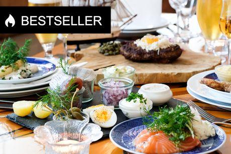 Stor fiskeanretning hos Restaurant Gilleleje. Nyd stor platte med lækker fisk el. pariserbøf med det hele