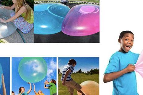 Oppustelig bold legeaftalen eller søn-dags-sjov. Du kan puste dem op, og se den vokse større og større - og så er det nemt at tage luften ud af den, når du og børnene skal have den med på ferie eller på stranden.