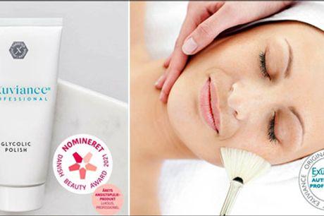 Lækker Exuviance de Luxe ansigtsbehandling - Exuviance de Luxe ansigtsbehandling med AHA peeling, dybderens, massage mm. Varighed 60 min. Værdi 595,-