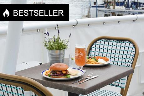 Bestseller: Fish'n'chips eller burger  Hos Kutteren i Havnegade kan du vælge mellem super sprøde fish'n'chips eller burger med sprøde pommes frites.