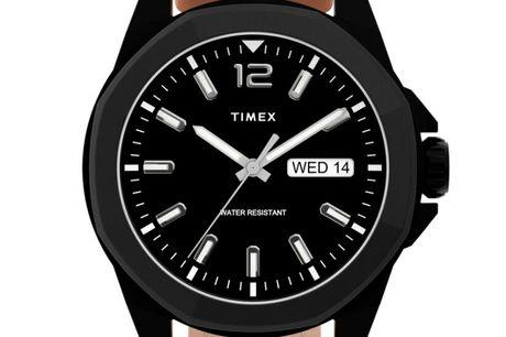 Timex Essex Avenue TW2U15100. Timex er et ikonisk amerikansk urmærke, der er kendt for tidløse designs. Timex er grundlagt i 1854 og har etableret en tradition for at skabe høj kvalitet, innovative ure, der passer til alle kunders behov Timex ure har væ