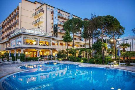 Italia Milano Marittima - Grand Hotel Gallia 4* a partire da € 45,00. Soggiorno a 4* a 30 metri dalla spiaggia