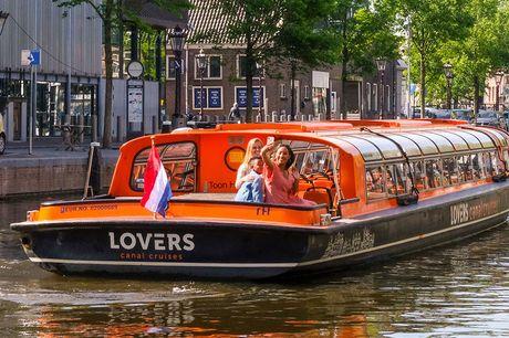 Rondvaart door Amsterdam Stap aan boord en beleef Amsterdam vanaf het water. Deze boottocht door de grachten is het perfecte uitje in de hoofdstad. Leerzaam én leuk!
