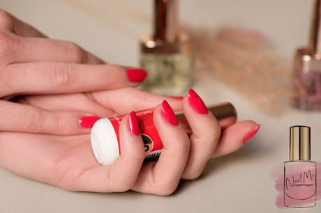 Supreme Manicure hos NailMi Copenhagen. Inkl. magical healing el. lakering, samt håndcreme som gave